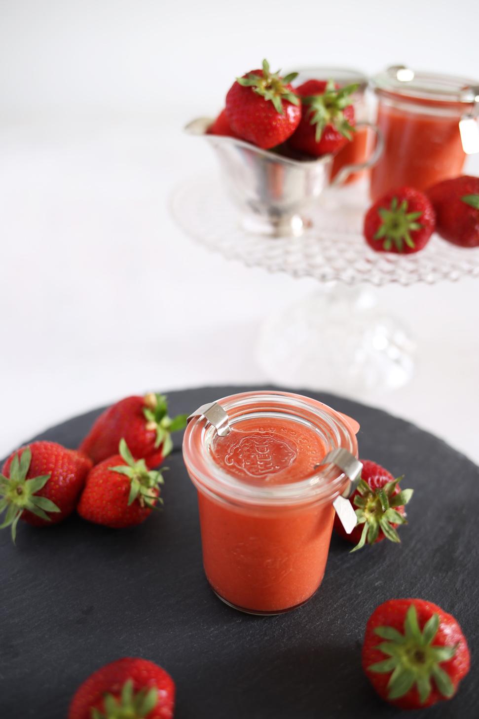 Erdbeer Curd