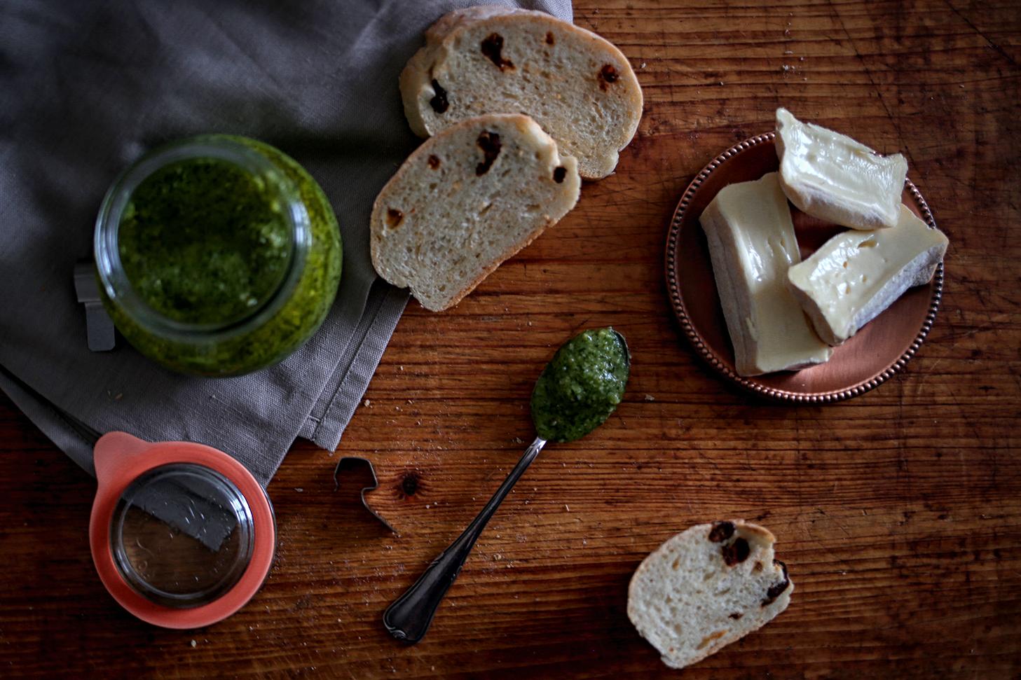 Dill-Pesto-mit-Ciabatta